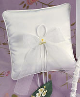 Calla Lily Satin Ring Pillow