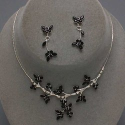 Black & Clear Butterfly Design Necklace Set