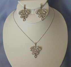 Antique Look Rhinestone Butterfly Necklace Set