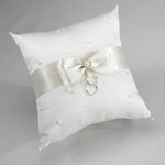 Ivory Pearl Ring Pillow