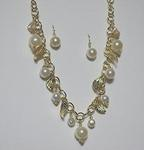 18 Gold Tone Beach Theme Pearl & Leaf Necklace